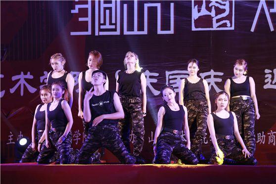 承接各种艺术形式的舞蹈演出